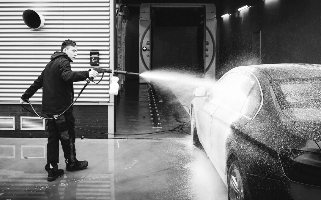 JUNIOR CAR CLEANING SPECIALIST